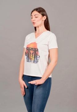 t-shirt a V 4