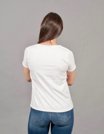 t-shirt a V 7